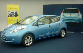 nissan leaf how long to charge nissan leaf the home blogger takes the driver u0027s seat mnn
