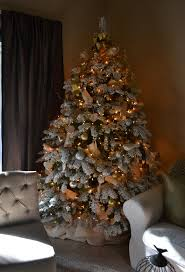 Christmas Tree Decorating Ideas Pictures 2011 The Poor Sophisticate Christmas Tree Pictures Finally