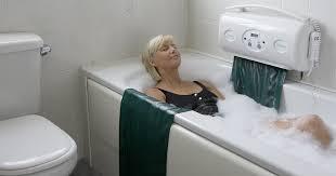 siege baignoire handicapé une baignoire adaptée au grand âge ou au handicap tousergo le