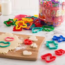 betty crocker plastic cookie cutter set of 101 multi colour