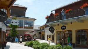 designer outlet store save at the landquart outlet shopping mall in switzerland