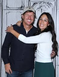 chip and joanna gaines facebook hgtv and chip gaines respond to u0027fixer upper u0027 pastor controversy