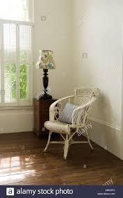 Lampe In Schlafzimmer Old Empty Armchair Stockfotos U0026 Old Empty Armchair Bilder Alamy