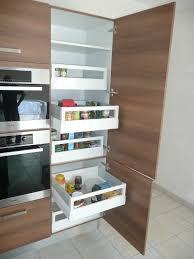 colonne rangement cuisine tiroirs coulissants pour rangement de l alimentaire dans un meuble