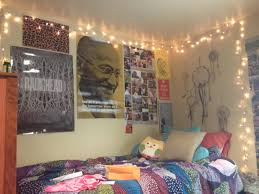 How To Make Your Bedroom Cozy by How To Create A Cute And Cozy Dorm Room In 3 Easy Steps Campus