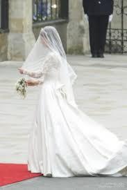 Alexander Mcqueen Wedding Dresses Alexander Mcqueen Kate Middleton Wears Many Mcqueen Garments As