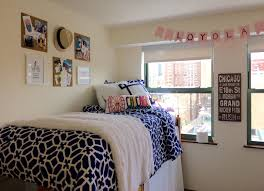 preppy dorm room loyola chicago dorm my creations pinterest