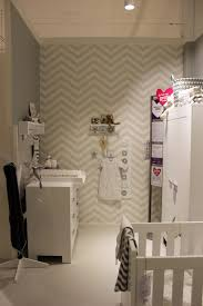 grijs behang kinderkamer grey wallpaper children u0027s room chevron