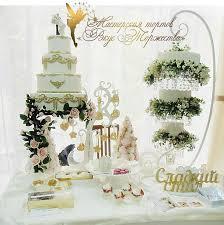 hanging a chandelier 132 best chandelier cakes images on pinterest chandelier cake