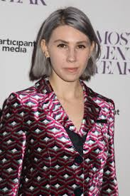 gray hair popular now girls star zosia mamet dyes her hair color gray glamour