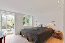 luxurious modern bedroom designs flickering with elegance