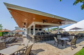 outdoor bar and grill west hills country club