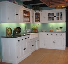Shaker Style Kitchen Cabinet Shaker Style Cabinets The Clean Streamlined Design Of Winstead