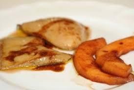 cuisiner un foie gras cru foie gras cru escalopes poêlées aux fruits caramélisés foie gras