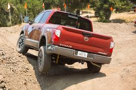 nissan truck titan 2017 better in every way 2017 nissan titan half ton pickup truck
