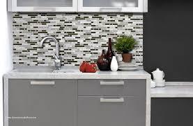 adhesif cuisine élégant revetement adhesif mural cuisine carrelage