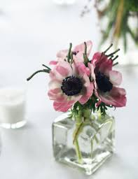 bud vase arrangement featuring anemones at the onteora mountain