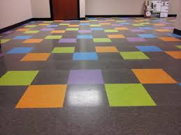 tile flooring designs best 25 vct flooring ideas on pinterest linoleum kitchen floors
