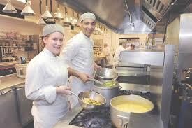 formation cuisine bordeaux formation cuisiniste awesome commi de cuisine luxe stock