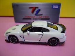 tomica nissan march tomica limited 136 nissan gt r spec v white dextersdc