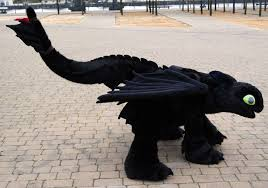 toothless costume wow i bow to you toothless cosplayer you re much more