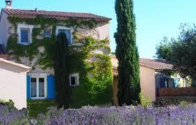 chambre d hote les goudes chambre d hôtes n 84g1382 à lacoste vaucluse