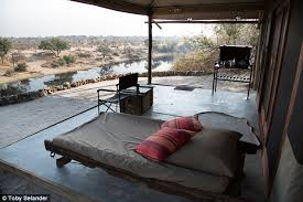 First Night Bedroom Videos Inside Harry And Meghan U0027s Secret Love Shack In Botswana Daily