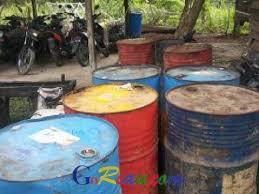 Minyak Tanah Per Liter goriau ternyata bisnis minyak tanah ilegal di dumai sudah berjalan