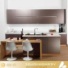 cuisine plaque prix de la cuisine modulaire plancher en bois noir parquet