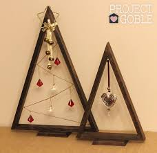 diy triangle pallet board tree project goble