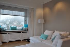 wohnzimmer grau trkis funvit streichen grün grau