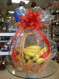 christmas fruit baskets send a fresh fruit basket for christmas or any ocassion