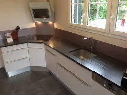 finition plan de travail cuisine planche de travail cuisine cuisine en granit bourgogne plan de