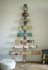 How To Make Tree Bookshelf 25 More Ways Of Turning Pallets Into Unique Pieces Of Furniture