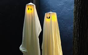 Halloween Outdoor Decorations Ghosts by 23 Scary Porch And Patio Halloween Decorations Perfectporchswing Com