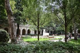 statues de jardin en pierre jardin du palais saint pierre u2014 wikipédia