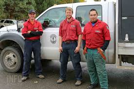 Wild Fires In Canada Bc by Why Wildland Firefighters Keep Coming Back Infonews Ca