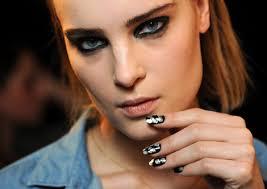 gold leaf nails rock london fashion week beauty