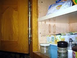 remplacer porte cuisine changer porte meuble cuisine 1 paumelles d233fectueuses 224