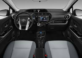 2017 toyota prius c reviews and rating motor trend canada