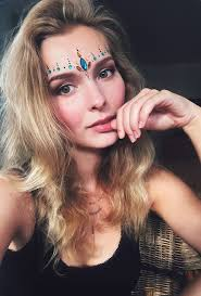 festival hair and boho looks to feel the vibes hairstyles 2354 best boho beach images on pinterest bohemian style make up