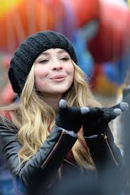 sabrina carpenter at 2014 macys thanksgiving day parade in new