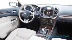 chrysler car interior 2015 chrysler 300 first drive u2013 hemi hero slashgear