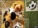 Empresa do mascote da Copa vai à falência
