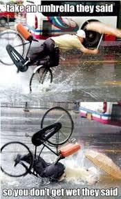 Funny Bike Memes - fietsen met een paraplu veiligheid funny pinterest humour