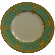set of eleven royal worcester presentation green dinner plates for