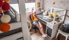 bureau chambre enfant bureau droit à rangement pour chambre enfant 140 cm