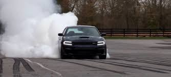 charger hellcat burnout 2015 dodge charger srt hellcat gifs get the best gif on giphy