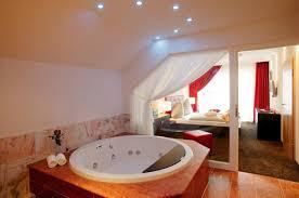 whirlpool im schlafzimmer jungbrunnensuite berlins kronelamm hotelbetrieb gmbh