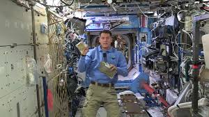 thanksgiving day video u s astronaut on the thanksgiving day menu in space